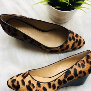TALBOTS Laney Leopard Wedges Calf Hair 9.5 Wide